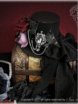 Bat Wings Series Ouji Gothic Hat by Arca et Ovis
