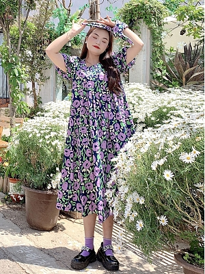 Plus Size Half-ripe Grapes Square Neckline Short Puff Sleeves Floral Print Dress by Cheese Day