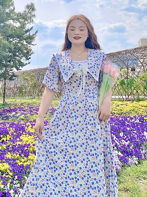 Plus Size Flower Discourse Short Sleeves Floral Print Dress by Cheese Day