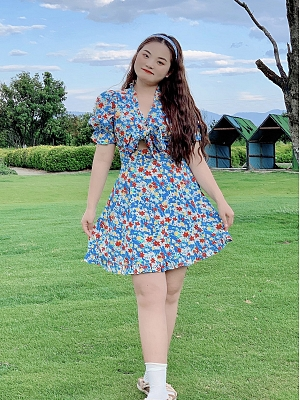 Plus Size Summer Breeze Flower V-neck Short Sleeves Floral Print Dress by Cheese Day