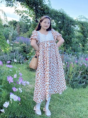 Plus Size Peony Multipetalum Round Neckline Short Sleeves Floral Print Dress by Cheese Day