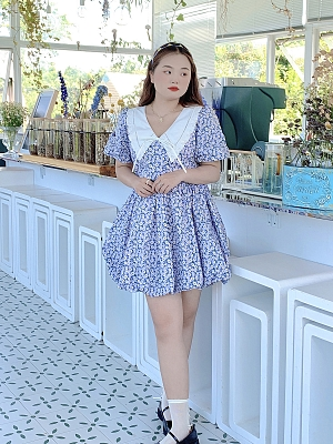 Plus Size Daisy Sky V-neck Short Puff Sleeves Floral Print Short Dress by Cheese Day