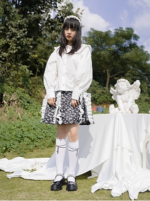Horror White Peter Pan Collar Long Puff Sleeves Shirt by Day to Day