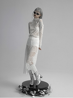 Black / White Hollow Out Lace Skirt by FROGLET