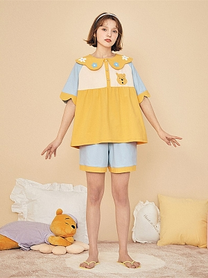 Disney Authorized Winnie the Pooh Pajamas Petal Collar Short Sleeves Top / Shorts by LEDiN