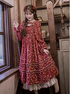 Song of the Wanderer Vintage Red Square Neckline Long Sleeves Floral Print Dress