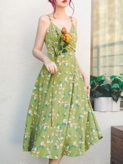 Dorothy Vintage Sweetheart Neckline Print Cami Dress by Miss Egg