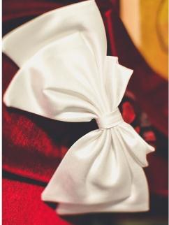 The Fugitive Princess Ⅱ Vintage White Satin Bowknot Hairclip by Miss Egg