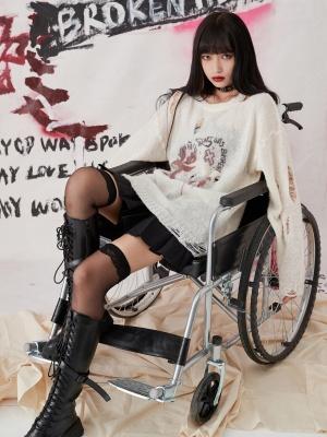 Punk Long Sleeves Broken Hole Heart-shaped Graffiti Knitted Sweater
