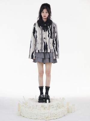 Black and White Plush Turndown Collar Long Sleeves Lambswool Padded Jacket